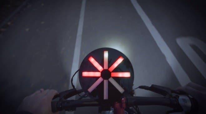 トヨタカムリの安全性能を取り込んだ自転車「Safer Bike」