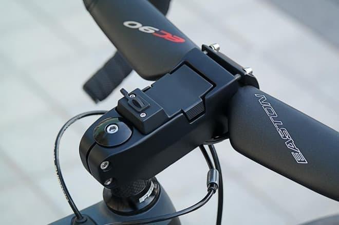 モバイルバッテリー付き自転車用ステム「Battery Stem」