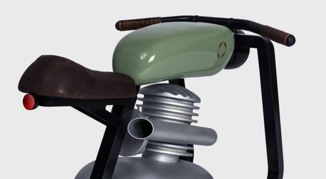 オートバイ型のロッキングホース「Moto Rocker」