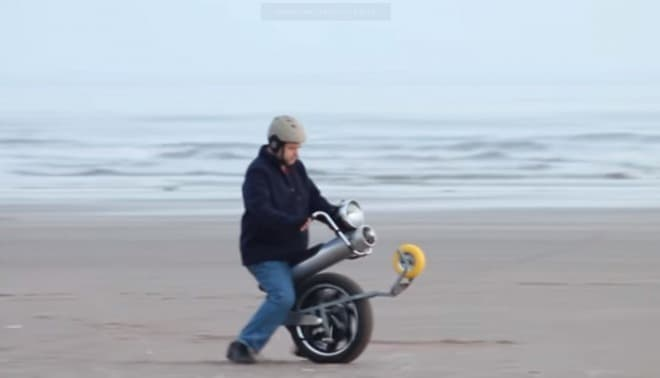 ハイパワーな一輪バイク「 Mega Hub Motor Electric Unicycle 」