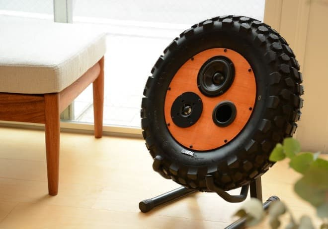 バイクの廃タイヤ筐体にリユースした「SEALスピーカー」