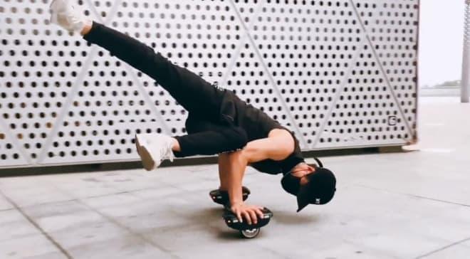 片足用の電動スケートボード「Hovershoes X1」