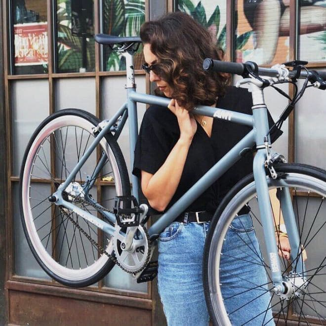 シンプルで軽く、低価格な電動アシスト自転車「AM1」