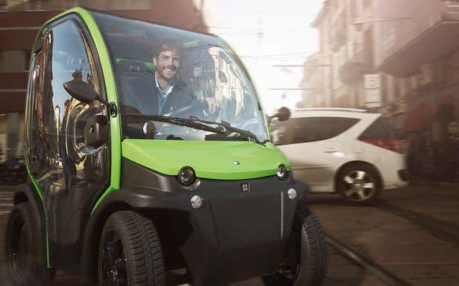 バッテリーを取り外し、部屋で充電できる電気自動車「BIRO」