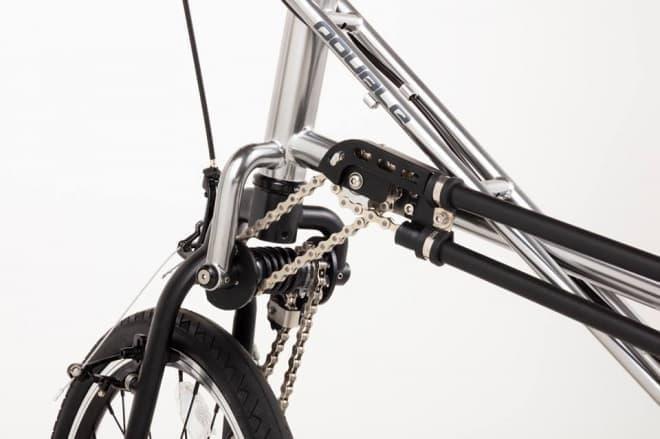 雨の日にうれしい前後輪駆動(2WD)の自転車「DOUBLE 2WD Mini-Velo」