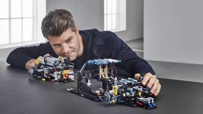 レゴでできた1/8スケールのブガッティ シロン「レゴ テクニック ブガッティ シロン」
