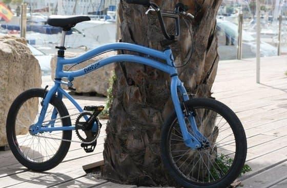 """""""ツインステアリング""""の「Helyx Bike」"""