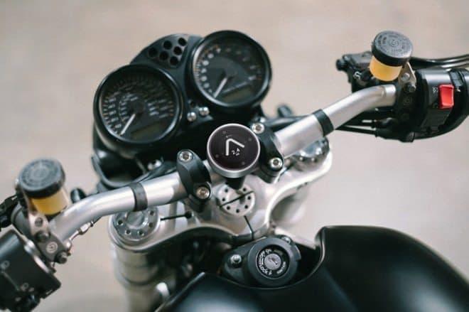 自由なバイクライダー向けの、自由なバイク用ナビ「Beeline Moto」