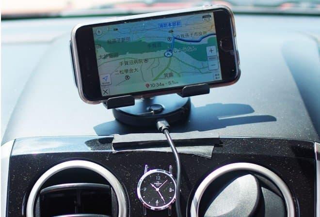 ファンでスマートフォンを冷やす「ドライブスマクール」