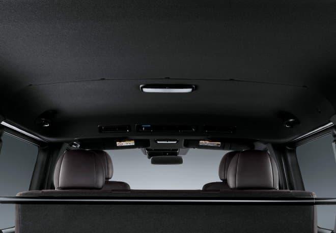 """トヨタ ハイエースに、誕生50周年記念の特別仕様車「スーパーGL""""50TH ANNIVERSARY LIMITED""""」"""