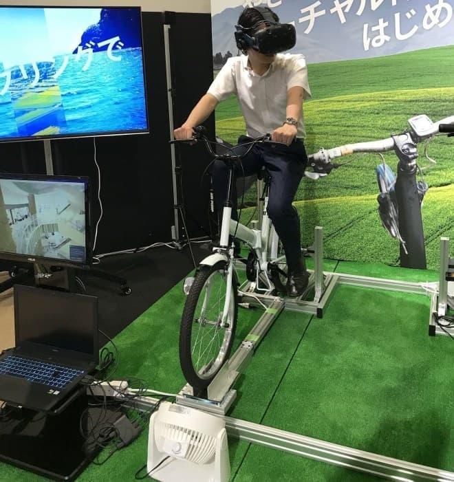 自転車のペダルを漕いで、VR体験できる「VR-CYCLE(ブイアールサイクル)」