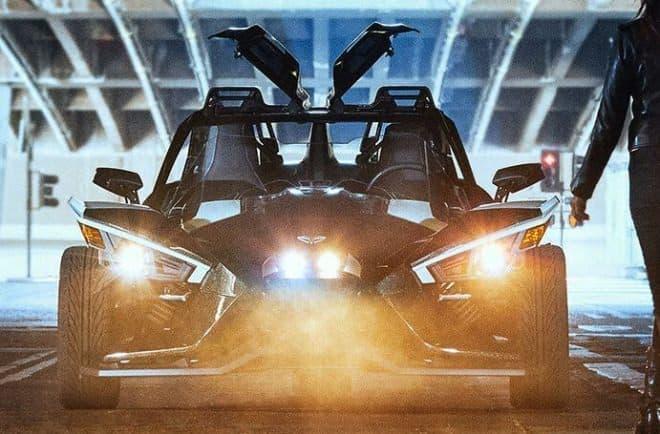 ガルウィングが付いた!-3輪ロードスター、Polaris Slingshotに「Grand Touring」モデル登場