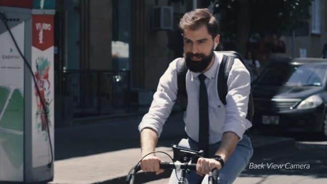自転車通勤者にぴったりなバックパック「Lumzag」-バックビューカメラ付き