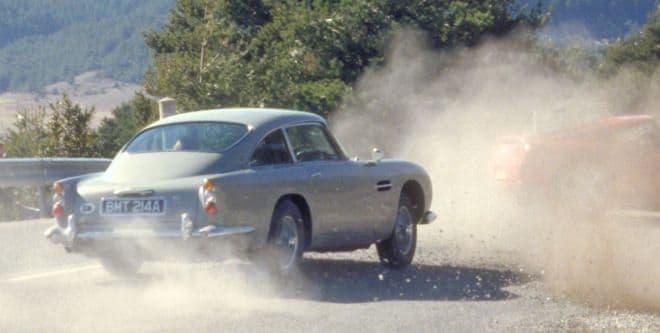 アストンマーティン、ボンドカーの「DB5」の復刻版を生産