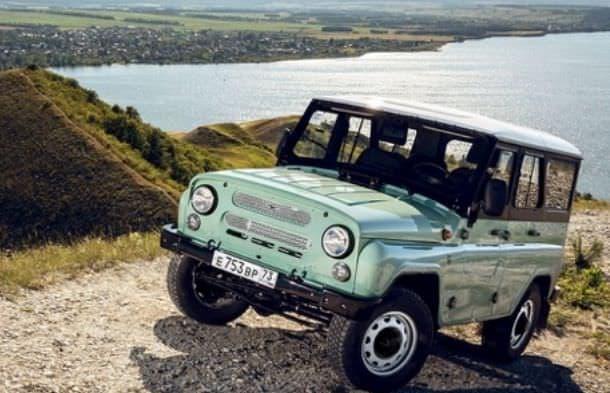 UAZバンの60周年記念限定車「2206 ジュビリー」