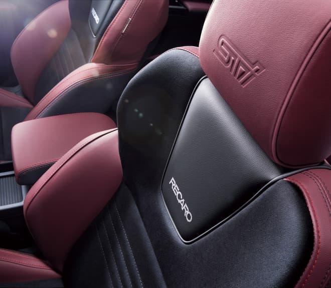SUBARU「WRX S4 STI Sport」RECARO製フロントシート
