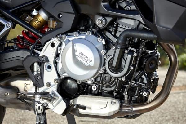 最高出力70kW(95ps)を発揮するエンジンを搭載