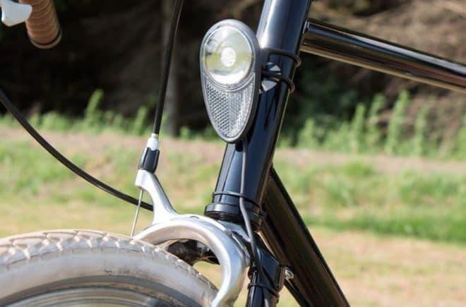 うず電流を利用 - バッテリーのいらない自転車用ライトReelight「NOVA」