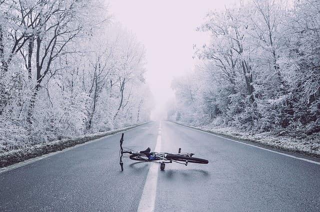 雪の日の自転車通勤での悲劇