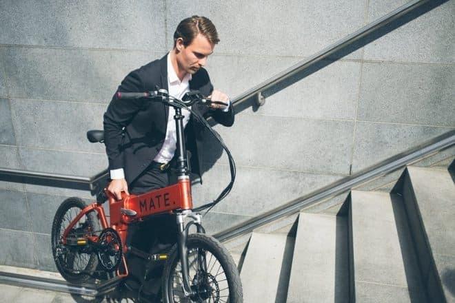 通勤用折り畳み電動アシスト自転車「MATE X」