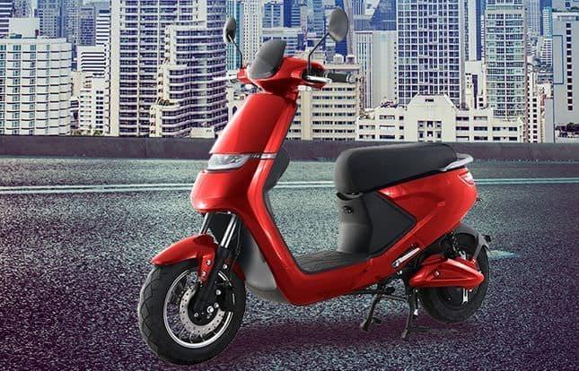 2人乗りできる電動バイク「REET S(リートエス)」
