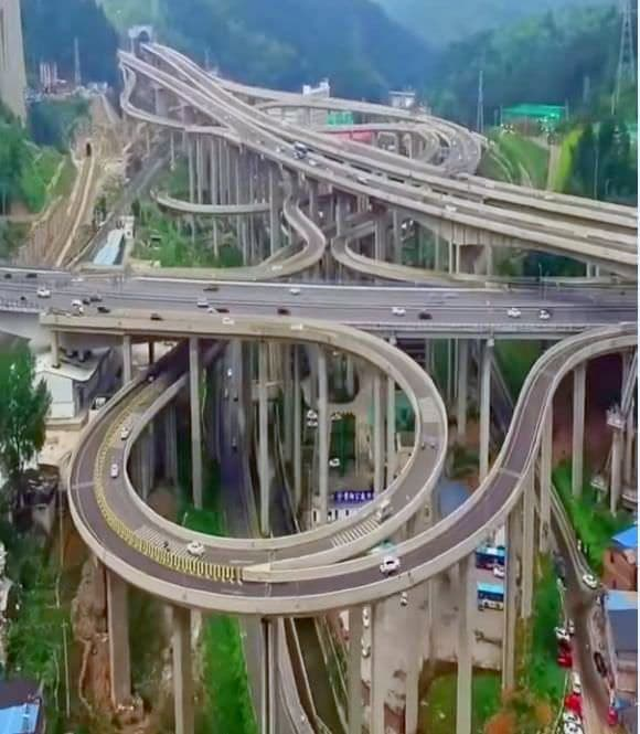 中国の高速インターチェンジが、ジェットコースターみたいと話題に