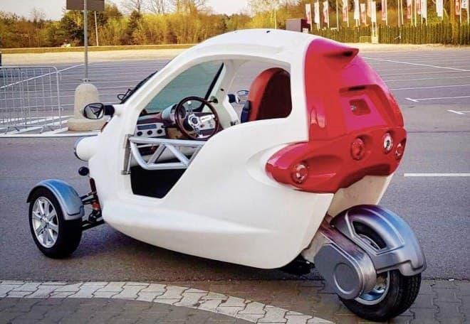 ガルウィングの電気自動車「SAM」にカブリオレタイプ?