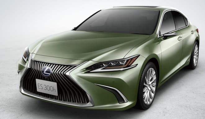LEXUS新型「ES」新規開発色「サンライトグリーンマイカメタリック」