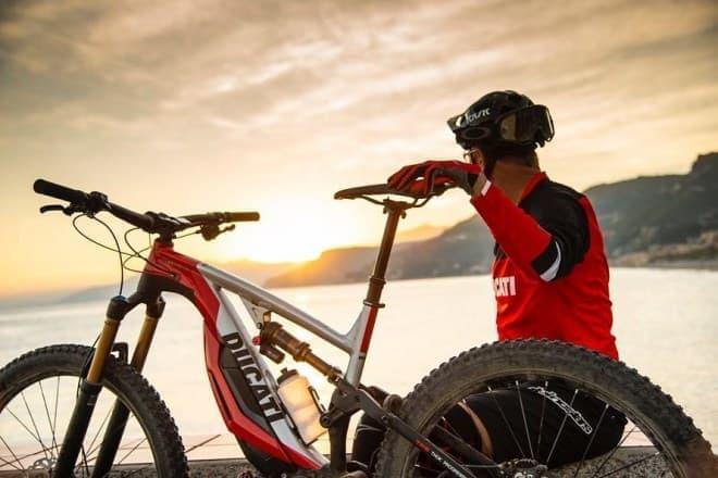 DucatiがMTBタイプの電動アシスト自転車「MIG-RR」を世界初披露
