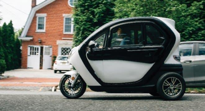 屋根付きの3輪電動バイク、 Hover-1「Aero」 ― 近所に行くには、これで十分じゃない?
