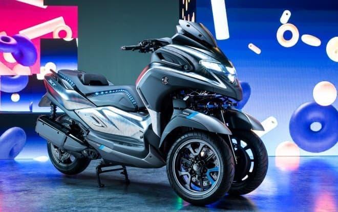 ヤマハがトリシティタイプの300ccスクーター「3CT」(プロトタイプ)を公開