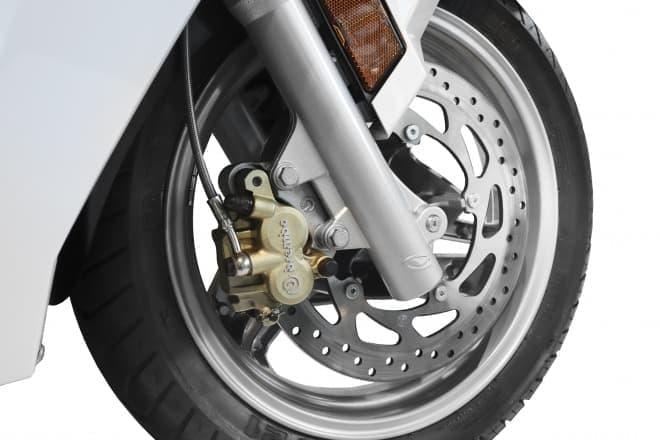 2人乗りできる電動バイクADIVA「VX-1」発売