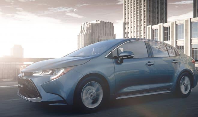 トヨタが新型カローラセダンを広州国際モーターショーで世界初披露