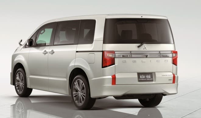 三菱のミニバン 新型「デリカD:5」、予約注文受付開始