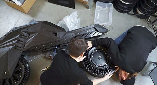 3Dプリンターで出力した電動バイク BigRepの「Nera」