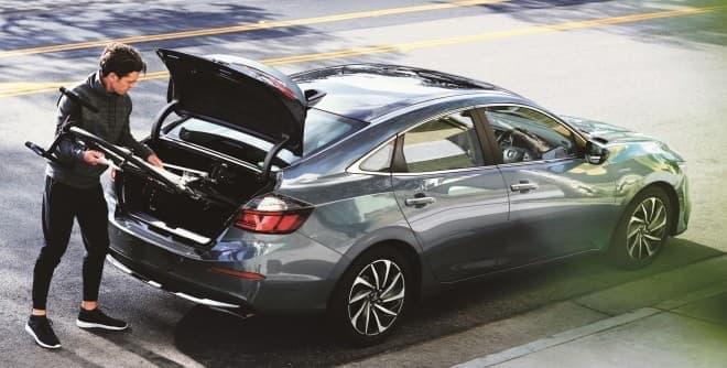 ホンダ、新型「INSIGHT」発売 - ハイブリッド車であることを主張しないエクステリアデザイン