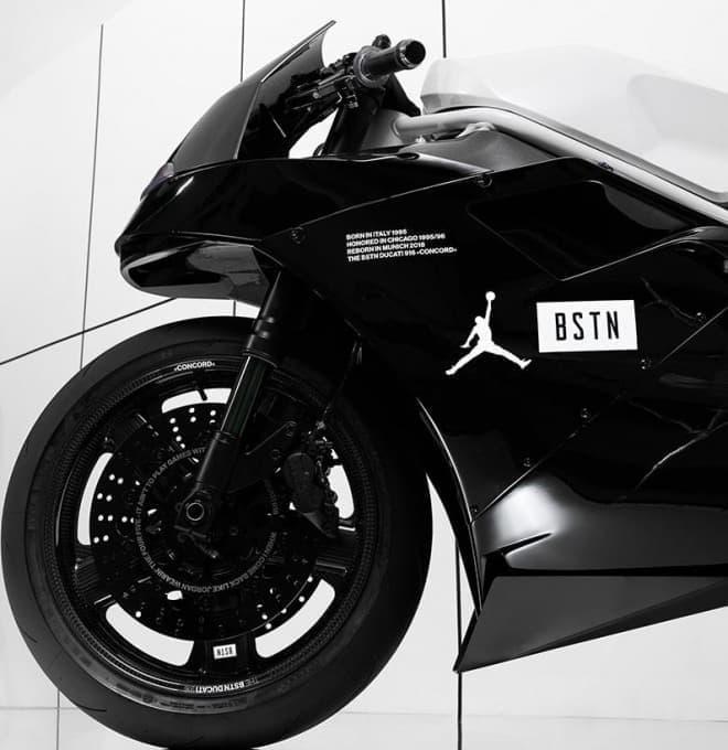 """「エアジョーダン11コンコルド」をリスペクトしたカスタムバイク「BSTN Ducati 916 """"Concord""""」"""
