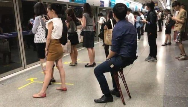疲れたらその場で座れる「LEX」が、日本からも購入しやすく ― CAMPFIREに登場