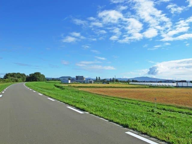 北海道を気ままに楽しむなら、クルマ+レンタカーが良いじゃない? - ニコニコレンタカー千歳美々店のレンタサイクルオプション