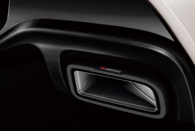 ルノー「ルーテシア R.S.トロフィー」の限定車「アクラポヴィッチ」 ― コンポジットマフラー搭載で、軽量化と出力アップを実現