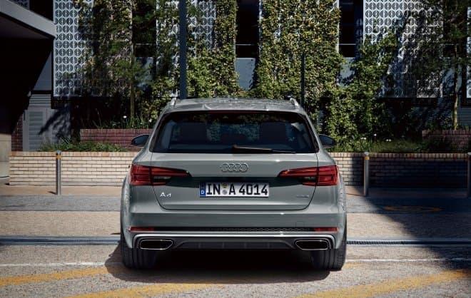 Audi A4とAudi S4の装備と価格が一部変更さ