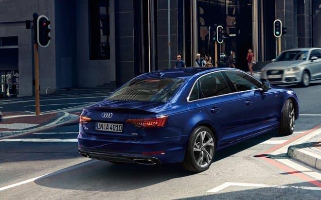 Audi A4とAudi S4の装備と価格が一部変更