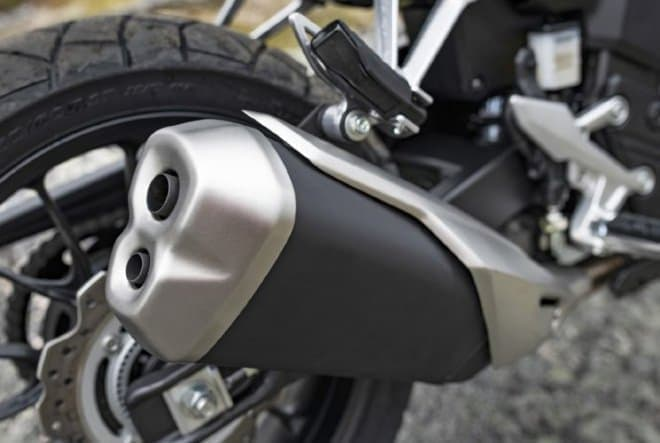 ホンダ「400X」、外観を一新 ― 19インチ大径フロントタイヤを採用