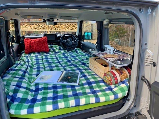 新型ジムニーで、車中泊! - セミダブルベッドの「101 TentCar コンフォートフルフラットベッドキット」発売