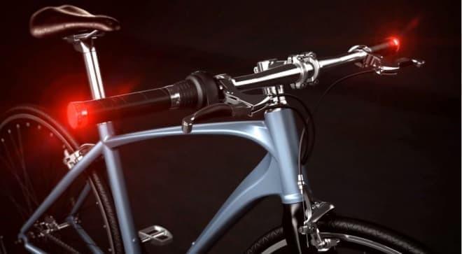 """Audiの""""流れるウィンカー""""を自転車にも ― ハンドルバーに取り付ける「Zarathustra」"""