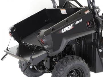 オフロード四輪「UXV450i」発売-トラックの荷台で運べる