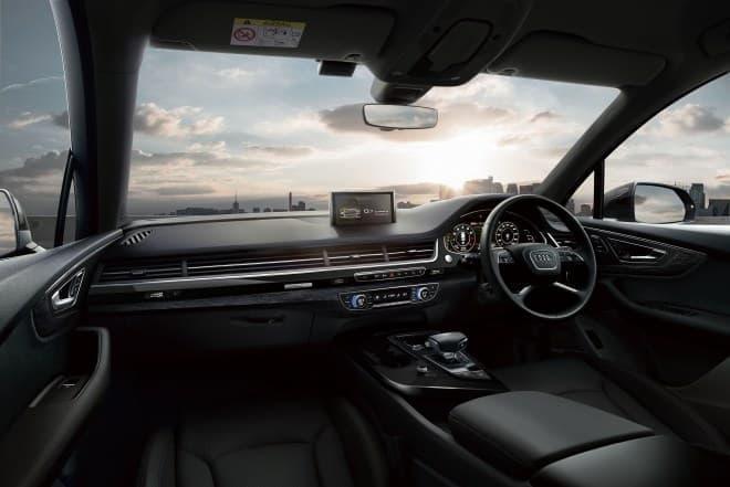 AudiのプレミアムSUV「Q7」に、限定モデル「black styling」