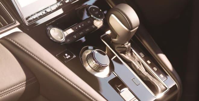 三菱のミニバン 新型「デリカD:5」、本日(2月15日)販売開始 ― 洗練されたデザインの「URBAN GEAR」も