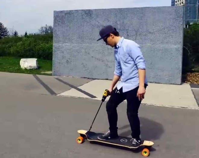 ドリルで通勤しようぜい!―ハンドドリルで走る電動スケートボードを製作する「Cheap and Easy DIY Electric Skateboard」
