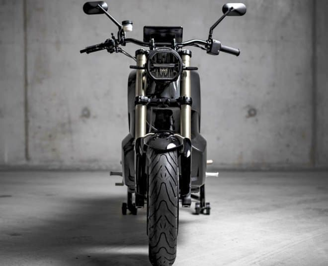 カーボンファイバー製モノコックフレームの電動バイク、NXT Motors「Rage」